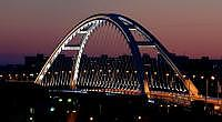 Most Apollo (nočný pohľad)